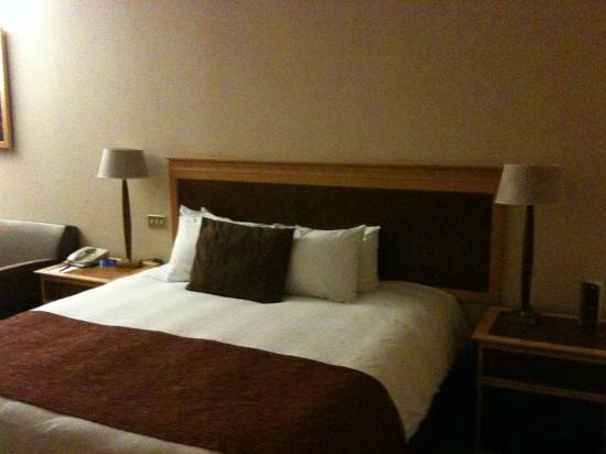 Hilton Glasgow: 2