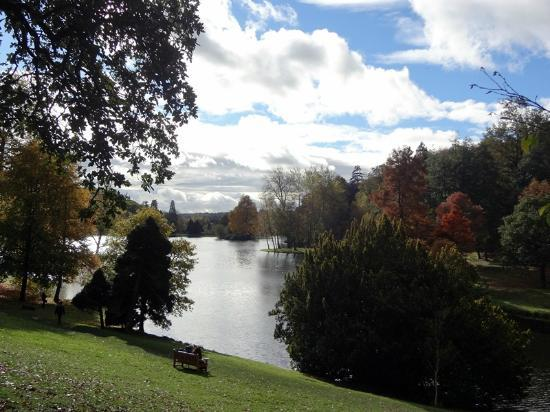 Stourhead House and Garden: Stourhead in October 2012