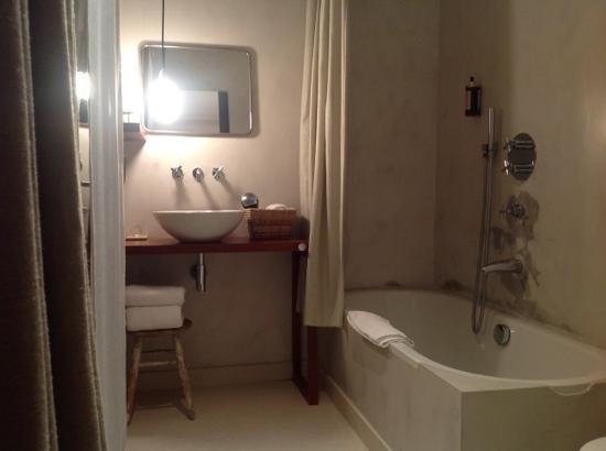 Villa Lorenea: bathroom