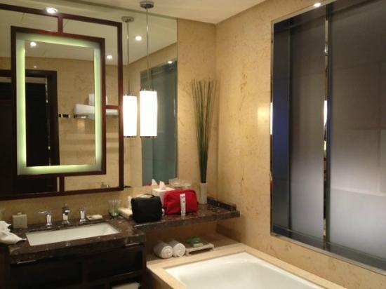 The Westin Beijing Chaoyang: Bathroom