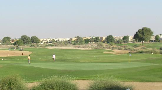 Arabian Ranches Golf Club Hotel: Golfing