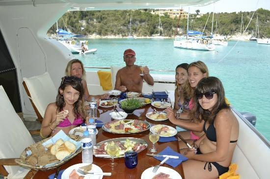 Delfino Blu Boutique Hotel: FAMILY LUNCH TIME