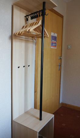 Tigh Na Mara Hotel: Wardrobe !!!!!!!