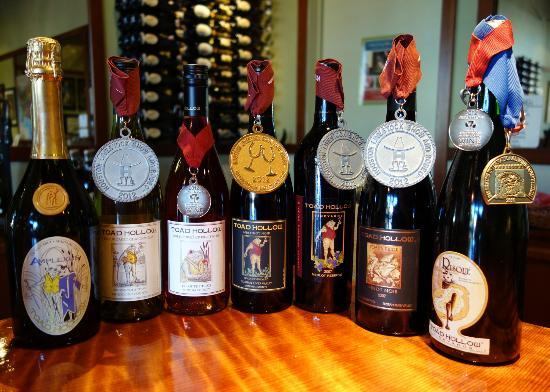 Toad Hollow Vineyards : Award Winning Wines