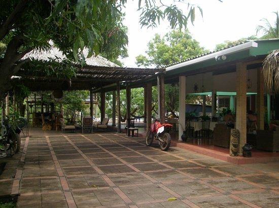 Atlakamani Surfing Resort:                   Reception