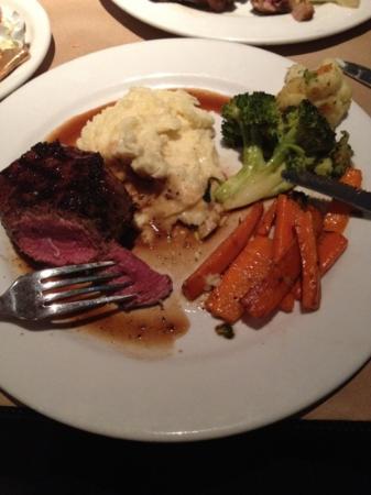 Monterey Cookhouse : bistecca 1