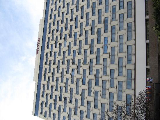The Westin Zagreb: Westin Zagreb -Ein Hochhaus mit Niveau