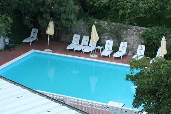 Hotel San Filis: Small but friendly Pool area