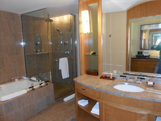 Mandarin Oriental, Boston: baño enorme