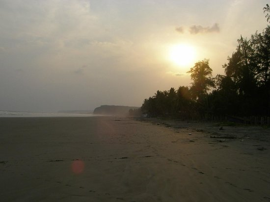 Atlakamani Surfing Resort:                   Sunrise