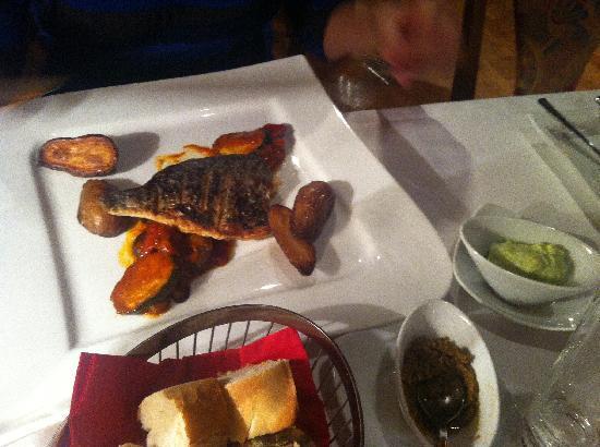 Restaurant Zum Schwan : Еще одно блюдо: красиво но рыба суховата
