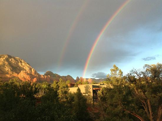 Alma de Sedona Inn Bed & Breakfast: Rainbow from our patio