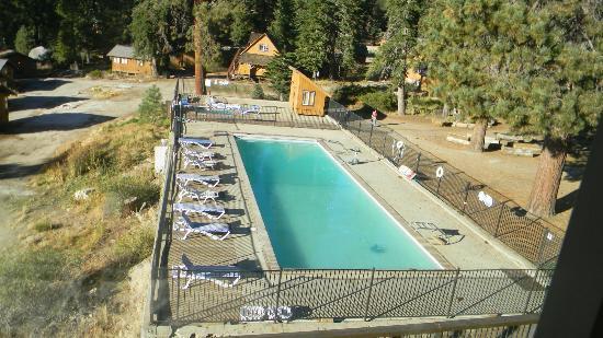 Montecito Sequoia Lodge & Summer Family Camp: Jacuzzi/Pool area