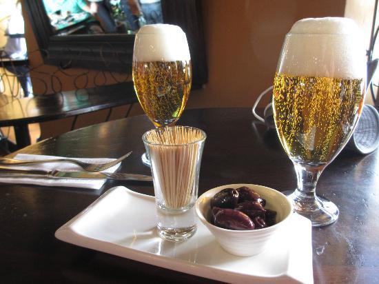 Cicciolina: Tapas wih Cuzquena (peruvian beer)