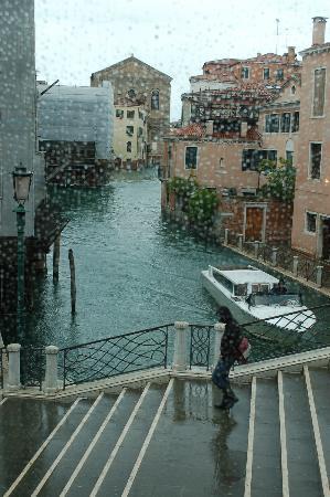 Ca' Gottardi: Canal View
