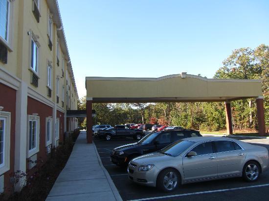 Clarion Inn & Suites Atlantic City North: Exterior