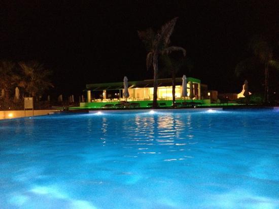 Avra Imperial Beach Resort & Spa: Το Ιταλικό εστιατόριο δίπλα στη πισίνα !!!