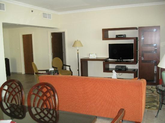 Marriott Executive Apartments Dubai Creek: Living room area