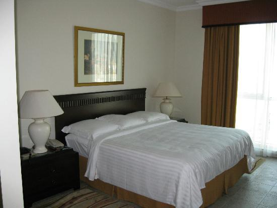 Marriott Executive Apartments Dubai Creek: Master Bedroom