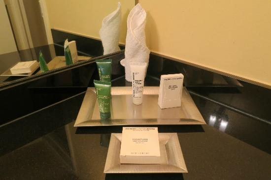 Hilton Houston Post Oak : Bathroom Toiletries