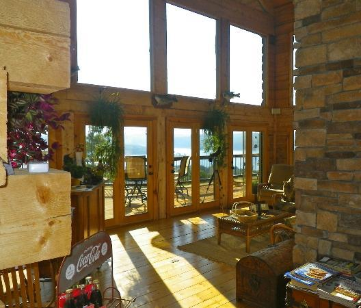 White River Lodge: Guests need to allow time just to sit and enjoy the marvelous views.