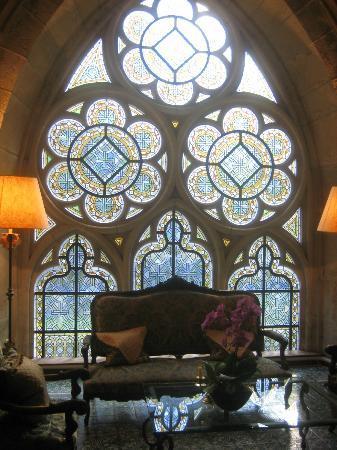Abbaye de la Bussiere: Sitting area outside the Library