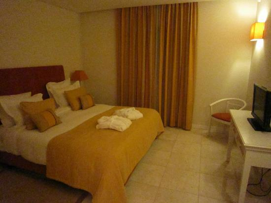 Monte Santo Resort: 2 bed apartment: main suite