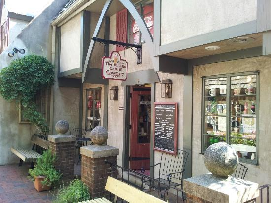 The Village Cafe & Creamery: The Village Cafe' & Creamery