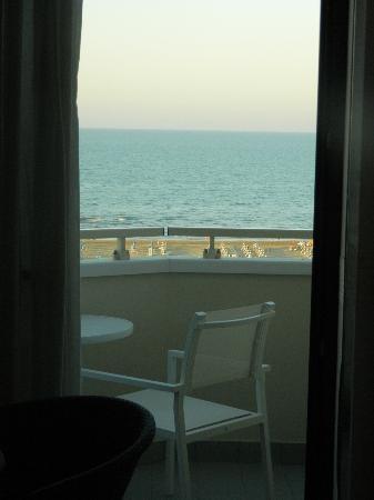 Hotel Sporting Rimini: ...panorama mattutino!