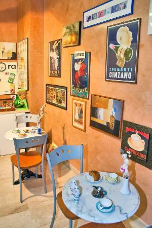 DomusamoR Colosseo: common-breakfast area