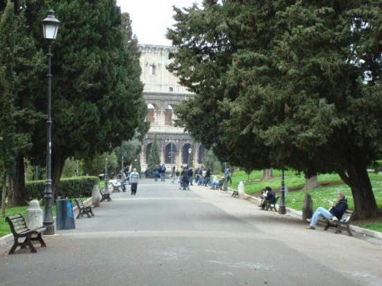 DomusamoR Colosseo: Domus Aurea park just a few meter
