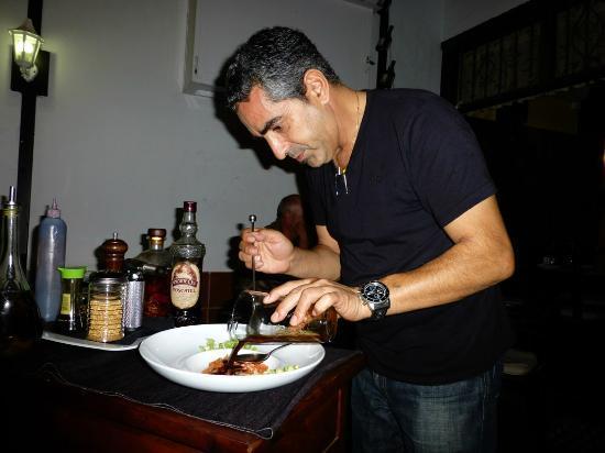 La Tasca de Mi Abuelo: Juan creating Tapas