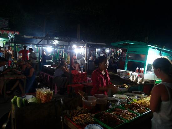Gili Trawangan Night Market: More FHIS stalls