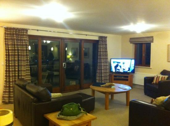 Windermere Marina Village: main living room
