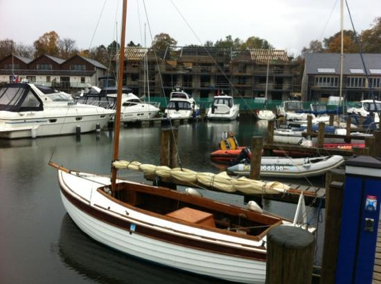 Windermere Marina Village: boats in marina