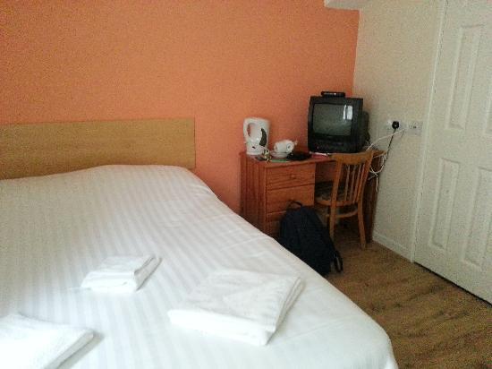 Royal Vincent Hotel: bedroom