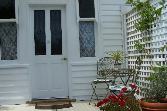 Huonville Guesthouse: Our private entrance.