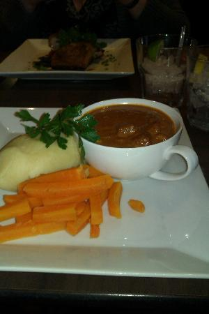 Madison's Hotel Restaurant: great way to have stew
