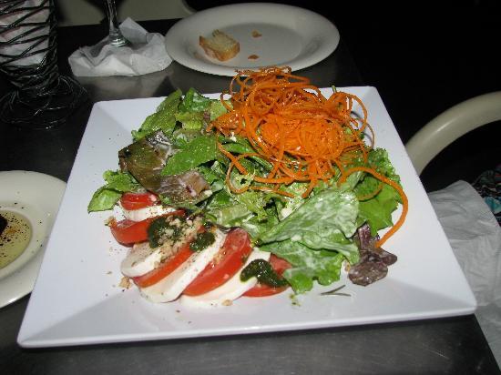 di Parma Trattoria : caprese salad