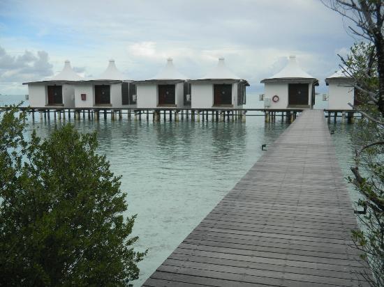 Cinnamon Hakuraa Huraa Maldives: Bungalows