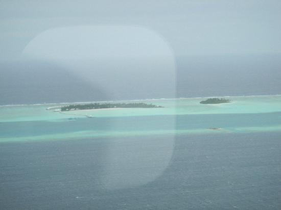 Cinnamon Hakuraa Huraa Maldives: View from air taxi as we left