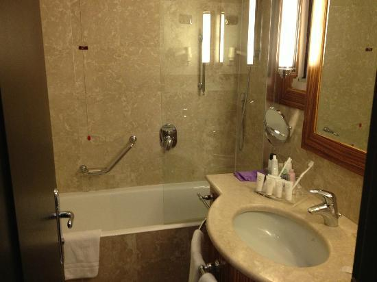 Starhotels Anderson: Bathroom