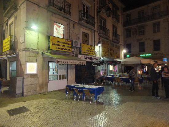 Restaurante Cervejaria Santiago: One side of this restaurnat -- it curves around to the left