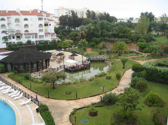 Ondamar Aparthotel: garden area