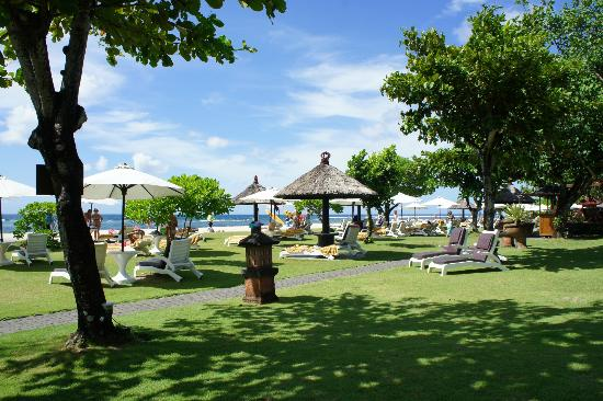 Ayodya Resort Bali: Beach area