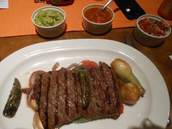 CasaMagna Marriott Puerto Vallarta Resort & Spa: Arrachera (skirt steak) entree at La Estancia
