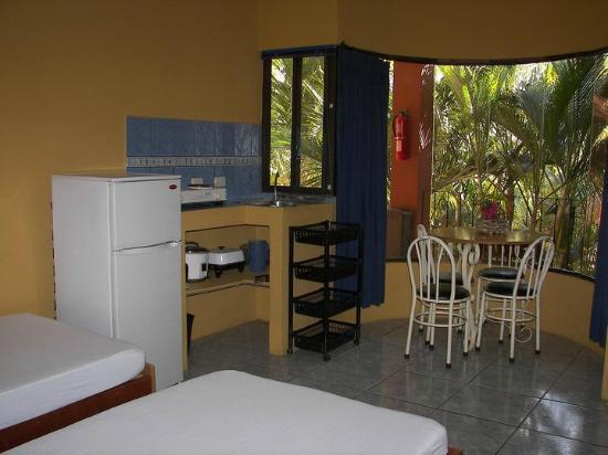Brasilito, Costa Rica: cocina de apartamento
