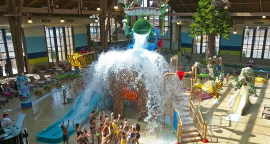 Soaring Eagle Waterpark and Hotel: Several times every hour our giant dump bucket over at Biish Falls showers 317 gallons of water.