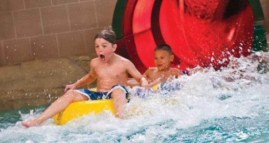 Soaring Eagle Waterpark and Hotel: Two gigantic slides whisk riders outside the Waterpark and back again for heart-pounding thrills