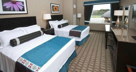 Soaring Eagle Waterpark and Hotel: Rooms include a microwave, refrigerator, sink, coffeemaker, hairdryer, in-room safe, & Wi-Fi acc